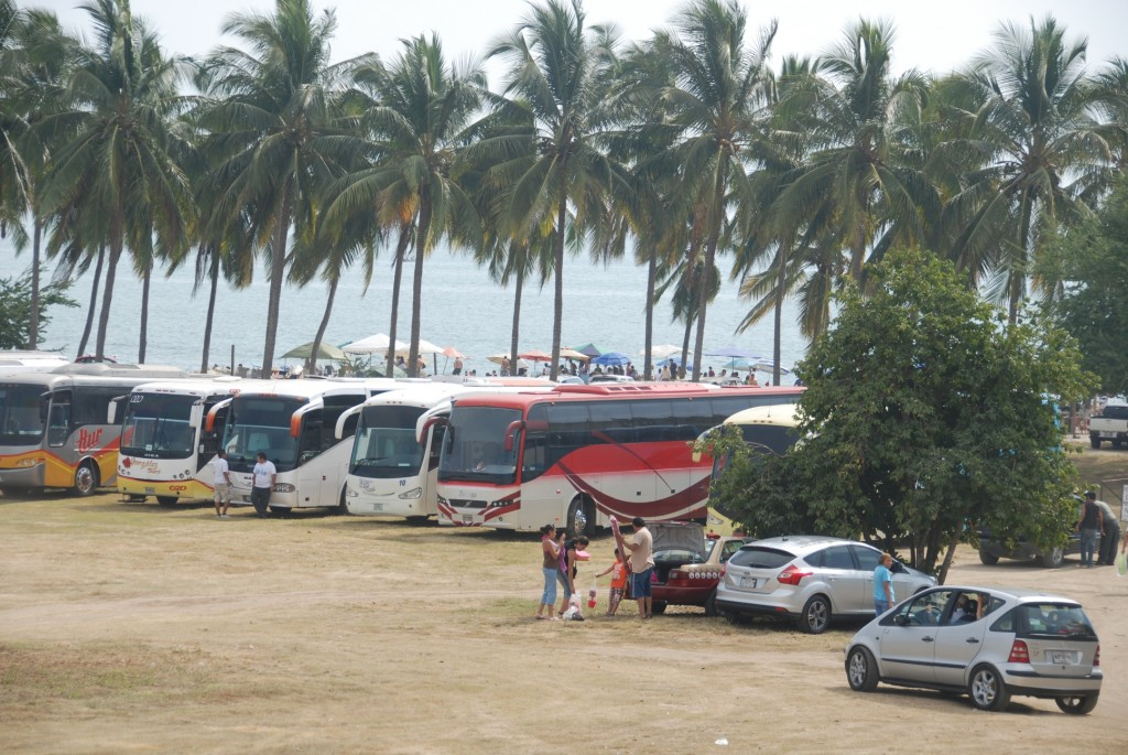 Mexicans beach buses